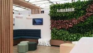 casual-aj-barber-dentist-exhibition-green-wall-gsky-versa-wall-420x242